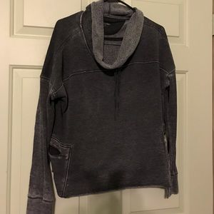 Calvin Klein Performance sweater ✨